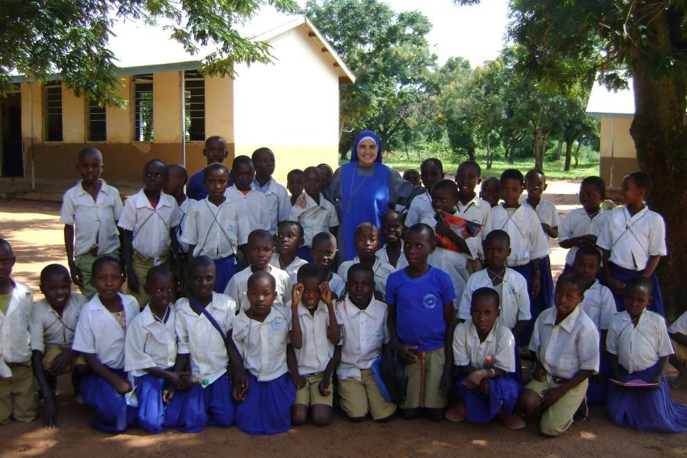 SSVM - Religiosas - Tanzania - Escuela 04