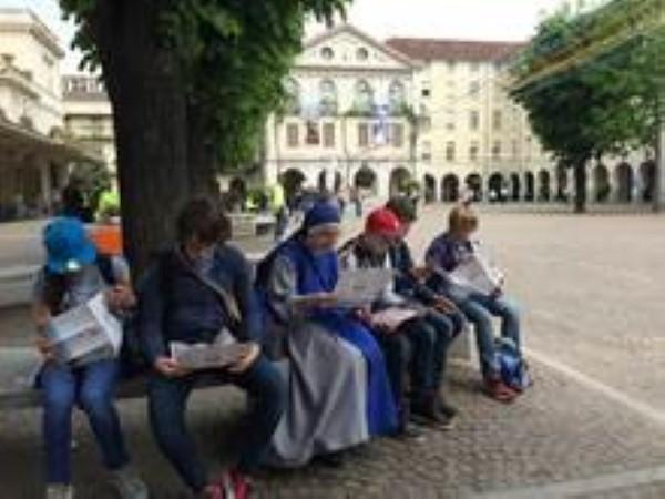 """En Turín, mientras esperábamos nuestro turno para visitar """"Le camerette di Don Bosco""""."""
