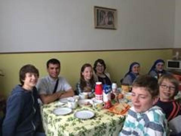 Desayuno en casa de las hermanas antes de ir al aeropuerto para volver a Holanda.