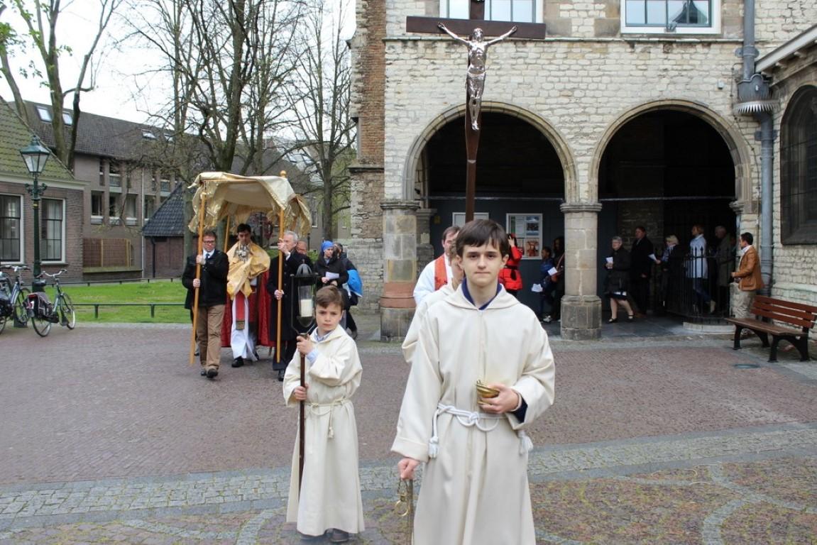 Procesión por las Calles de Alkmaar