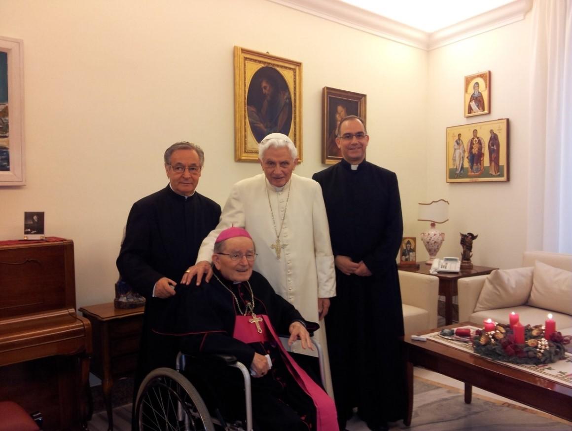 mons-erba-papa-Benedicto-XVI-1