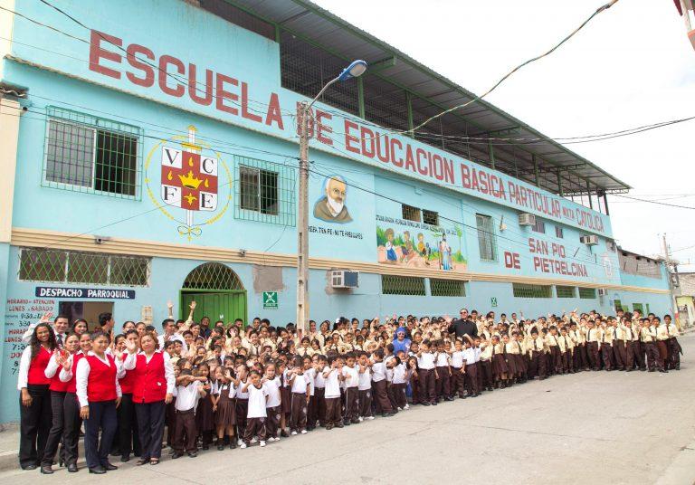 """ESCUELA """"SAN PIO"""" – ECUADOR"""
