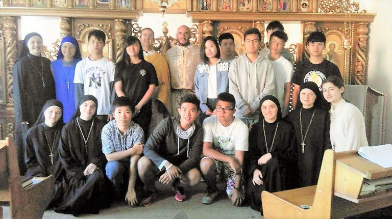 JMJ – GRUPO DE HONG KONG VISITANDO LA MISIÓN EN UCRANIA