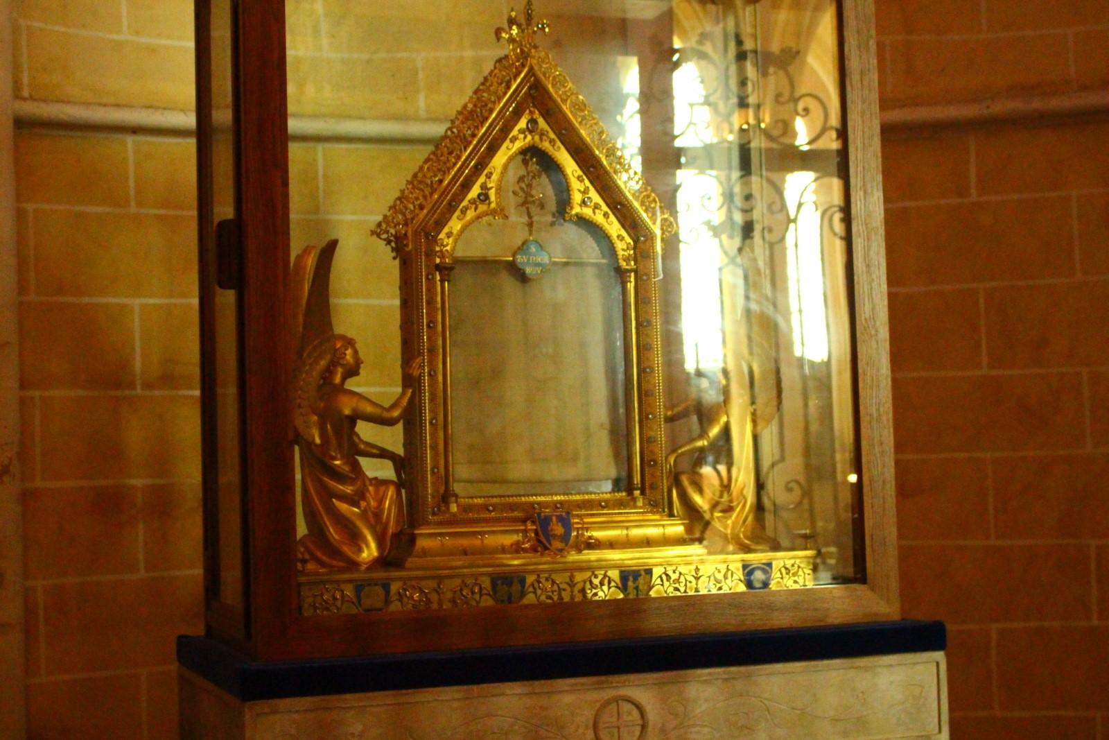 Reliquia de la túnica de la Virgen María