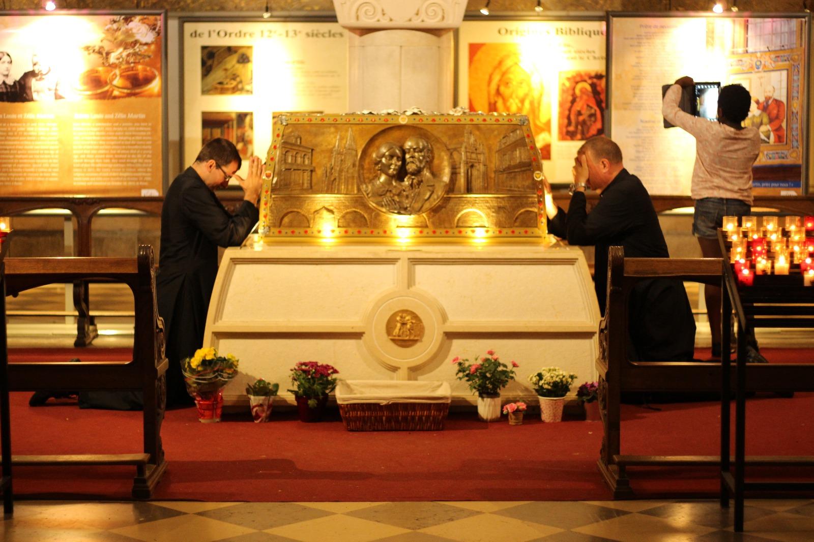 Urna con los restos de los Santos Celia y Luis Martín, los padres de Santa Teresita