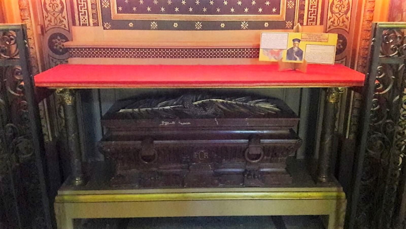 Cuerpo de San Gabriel Perboyre, mártir en china (en la Iglesia de San Vicente de Paúl)