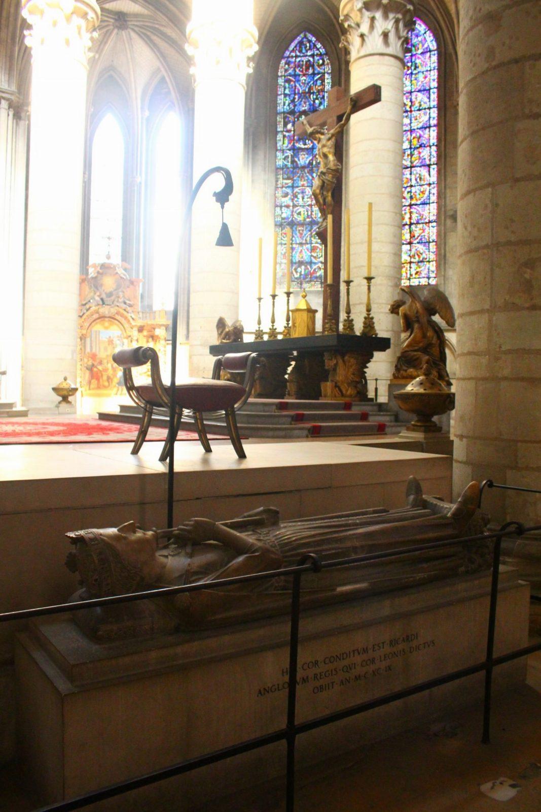 Tumba de Ricardo Corazón de León (Interior de la catedral)