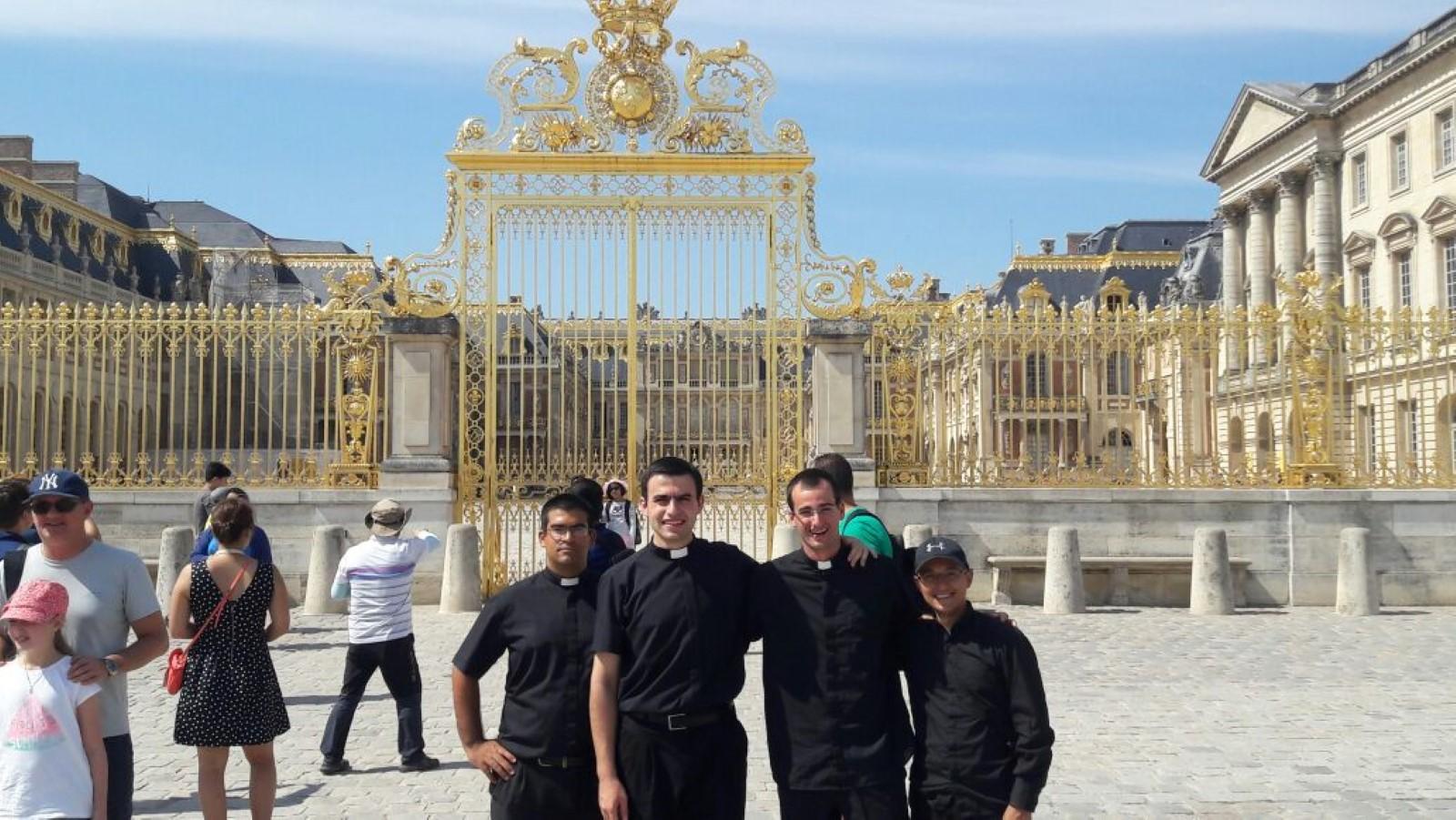 Palacio de Versailles: fue la residencia de los reyes por mucho tiempo (a las afueras de Paris)