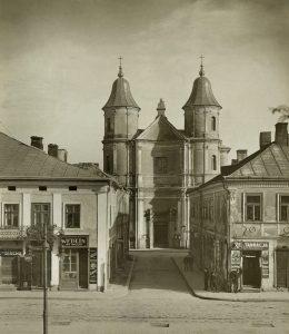 iglesia-madre-dios-laskava-stanislaviv-servidoras