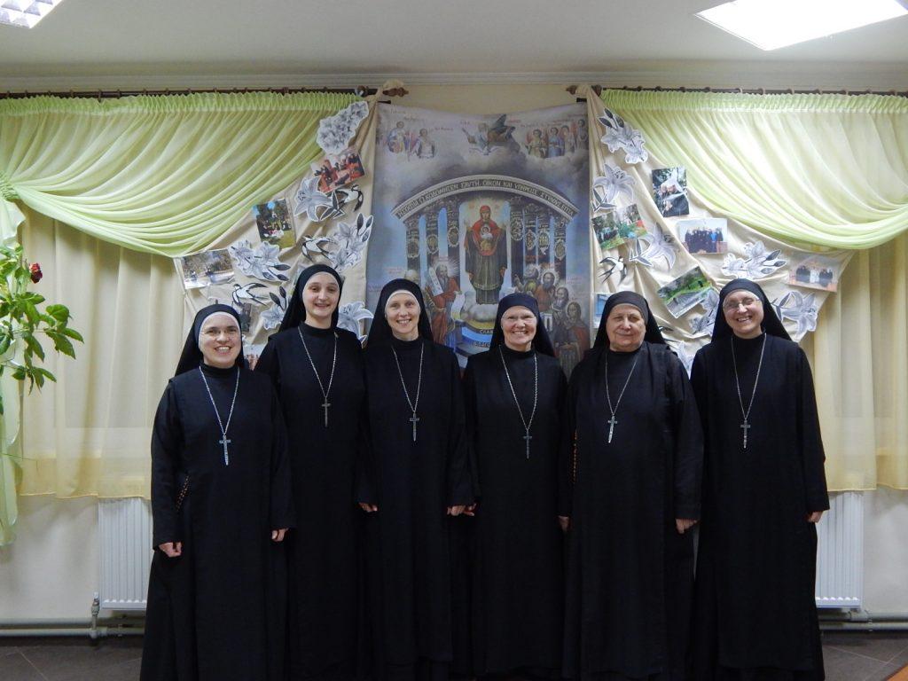 omunidad-monasterio-ssvm-ucrania