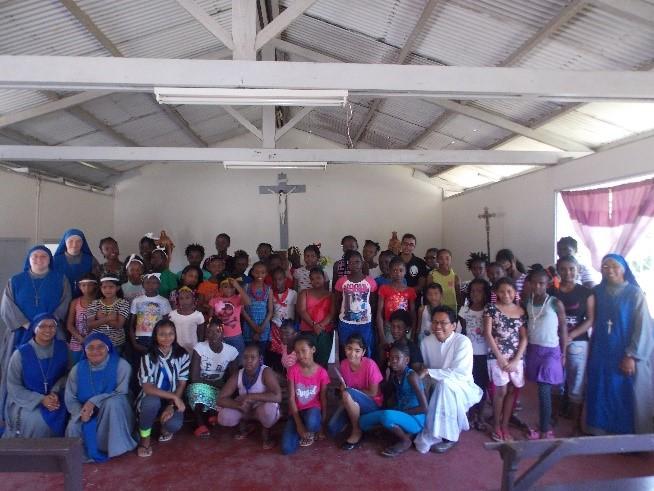 Surinami_campamento_Servidoras