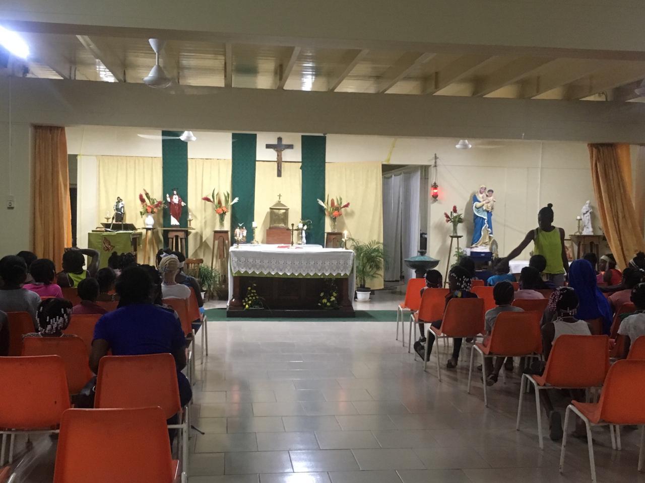 Suriname_Kinderkamp_2018_Servidoras