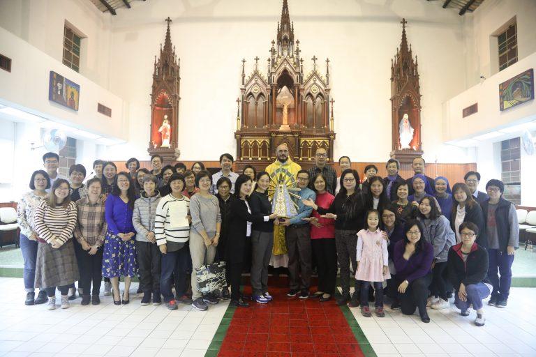 Nuevos miembros de la Tercera Orden y consagrados a la Virgen en Hong Kong