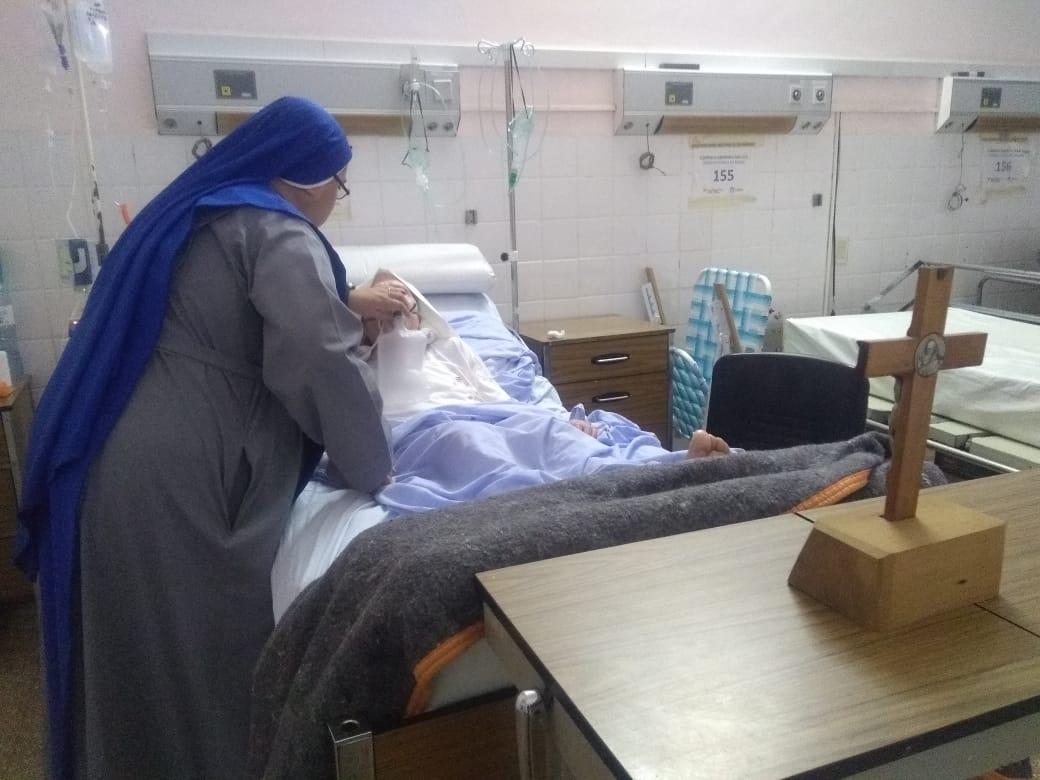 Servidoras-Cuidando-Enfermos