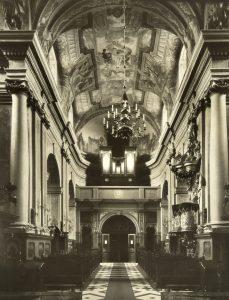 interior-iglesia-madre-dios-laskava-stanislaviv-servidoras