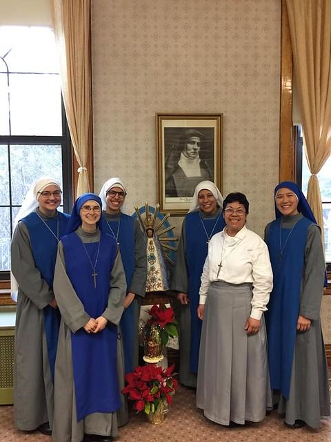 Estados Unidos - Nueva postulante en el noviciado monástico