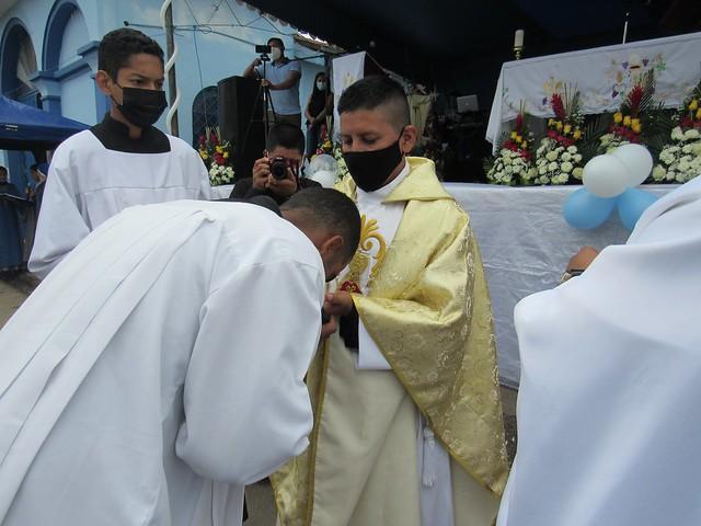 Ecuador - Primera Misa del Padre Edgar Pucha