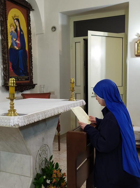 Italia - Ingreso de la Hna. María Serva Purissima al Monasterio de Velletri