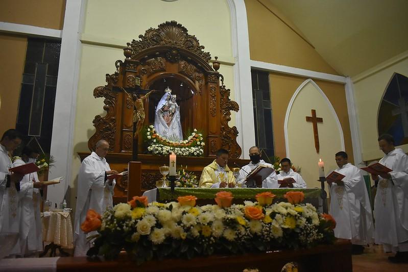 Ecuador - Primera Misa del P. Edgar Pucha en la parroquia de Zamora Huayco