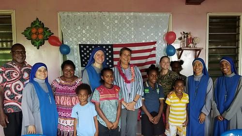Papúa - Visita de la embajadora de EEUU en Papúa a nuestra misión