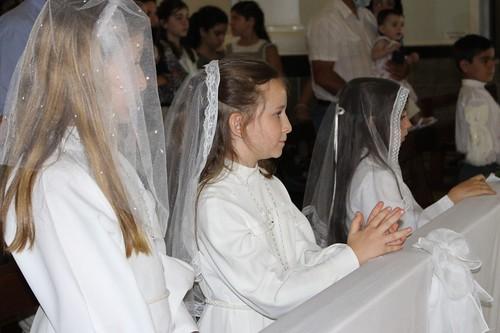 Argentina - Primeras Comuniones en el Colegio Isabel la Católica de Villa Mercedes