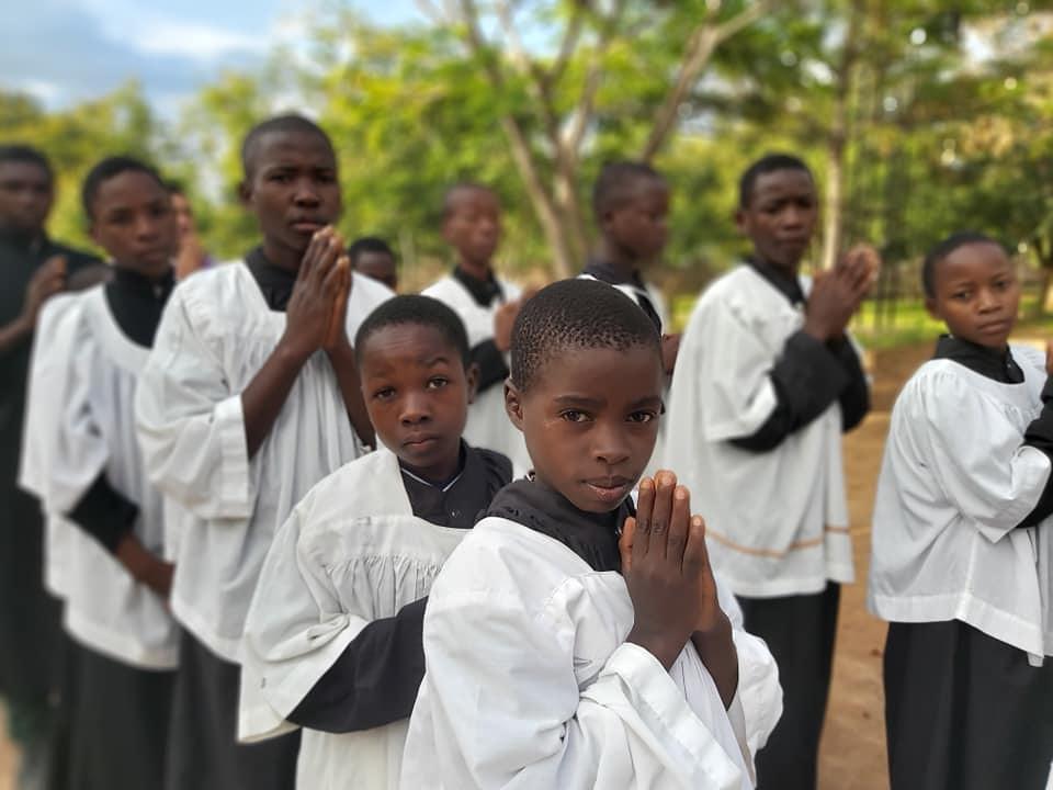 Tanzania - Fotos del campamento de monaguillos