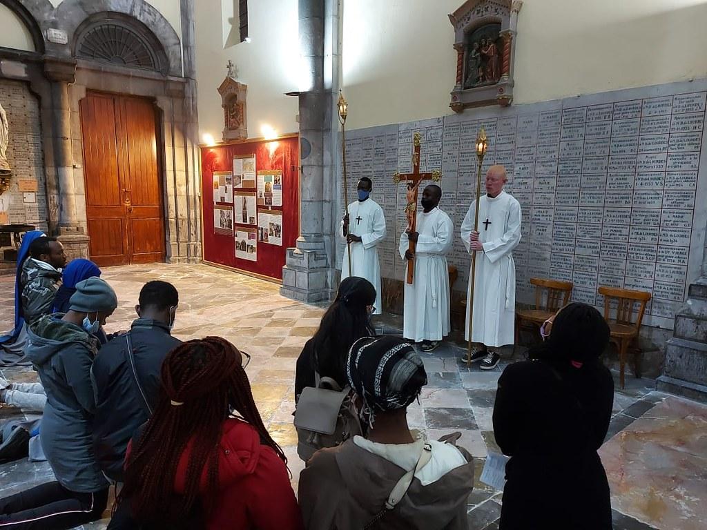 Túnez - Via Crucis en la Catedral