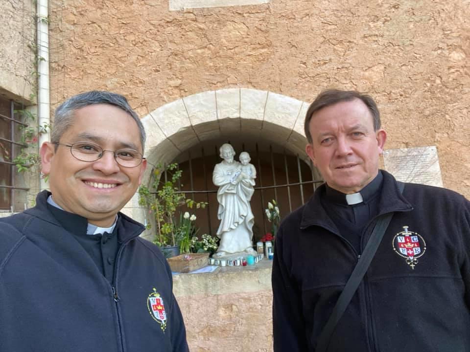 Francia - Peregrinación a San José en Besillon
