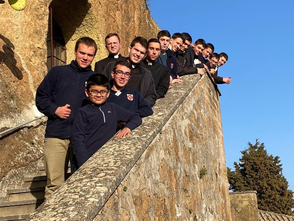Italia - Peregrinación del Seminario Menor al Santuario Santissima Maria ad Rupes, Castel Sant'Elia