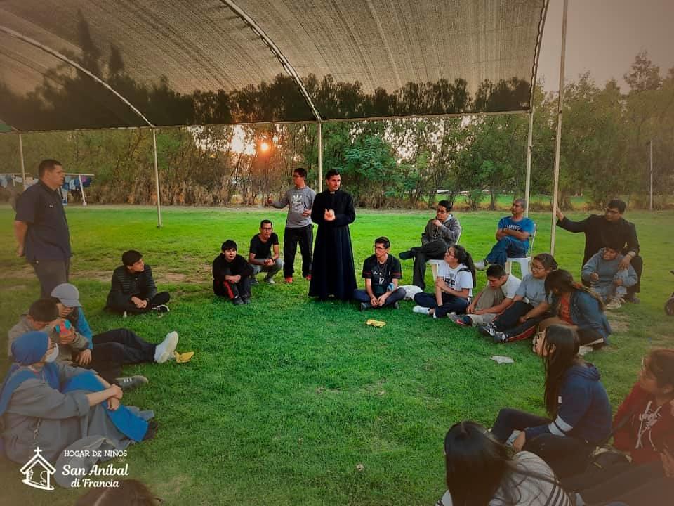 Perú - Trabajos con los voluntarios del Hogar San Anibal di Francia