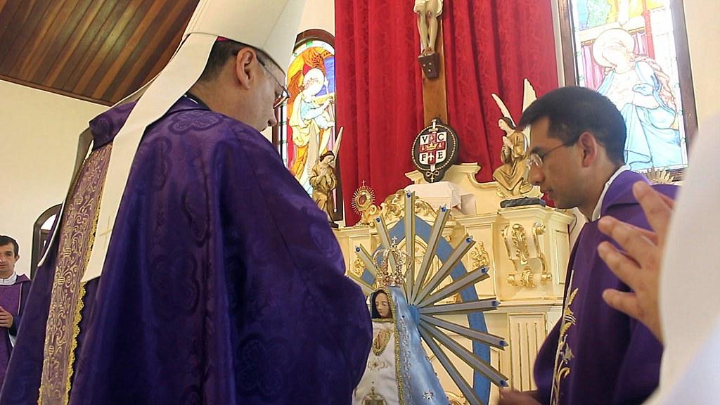 Brasil: Reunión de formación sacerdotal con Msgr. José Negri y coronación de la Virgen de Luján en el Noviciado