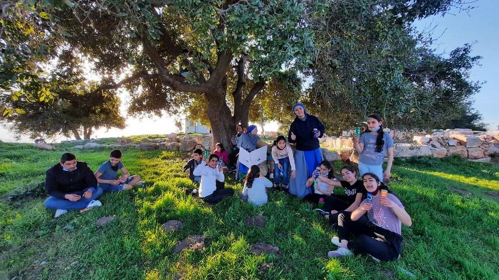 Jordania - Salida al sitio del Profeta Elías con los niños del Hogar