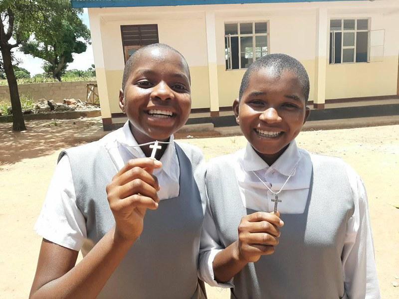 Tanzania - Recepción de la Cruz de Matará de las aspirantes