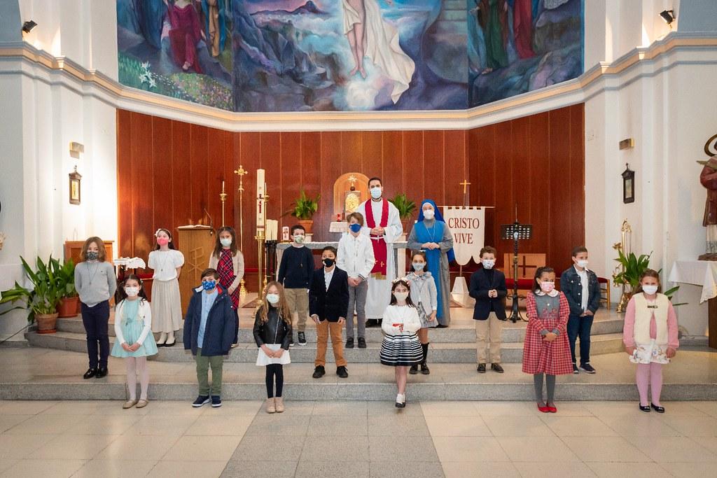 España - Confirmaciones en la Parroquia San Vicente Mártir en Paracuellos
