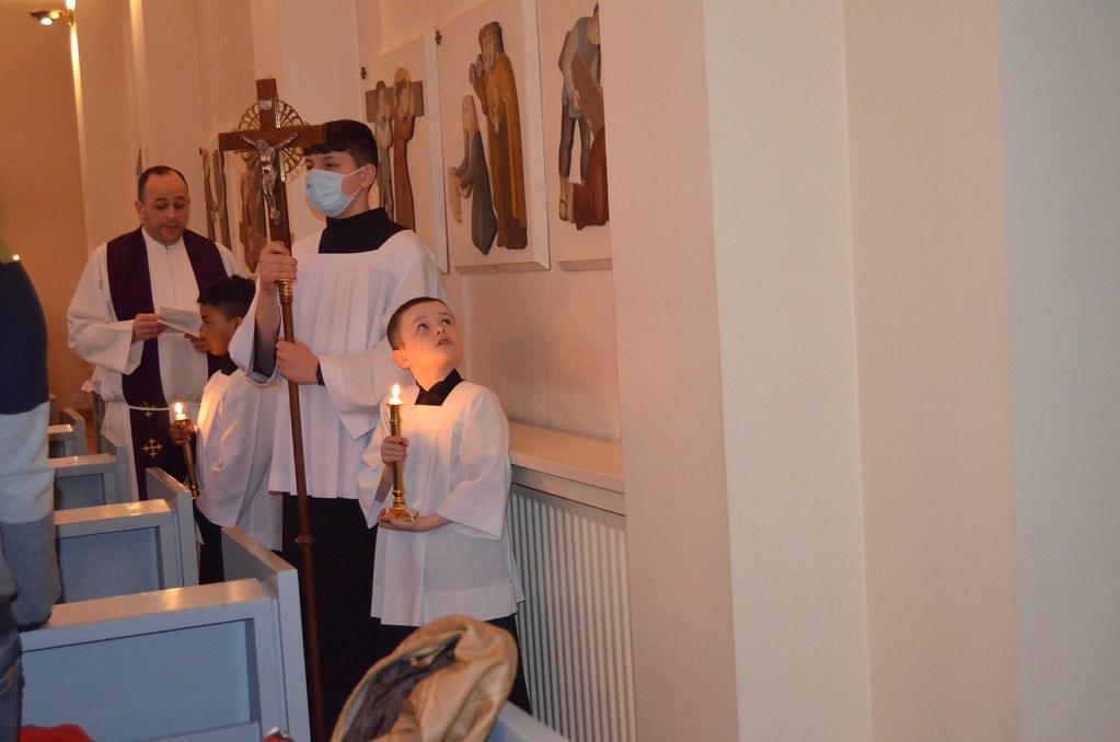 Islandia - Via Crucis en la Parroquia