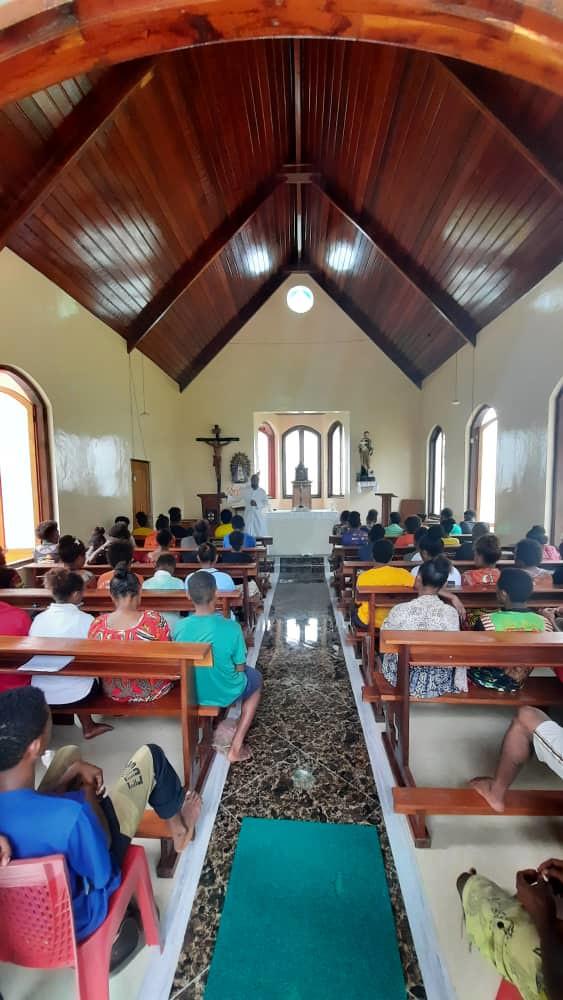 Papúa - Parroquia Santísima Trinidad