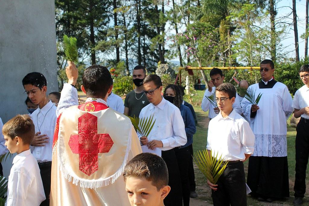 Brasil - Domingo de Ramos en el Seminario Menor