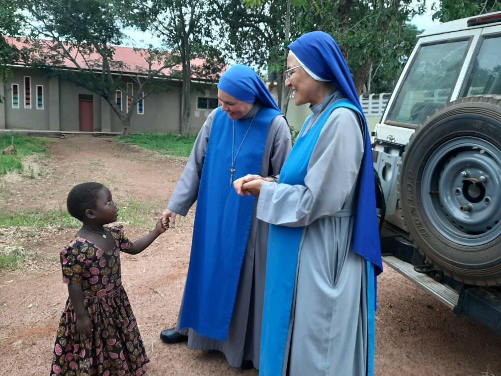 Tanzania - Bienvenida de la Hna. Aurora a la misión
