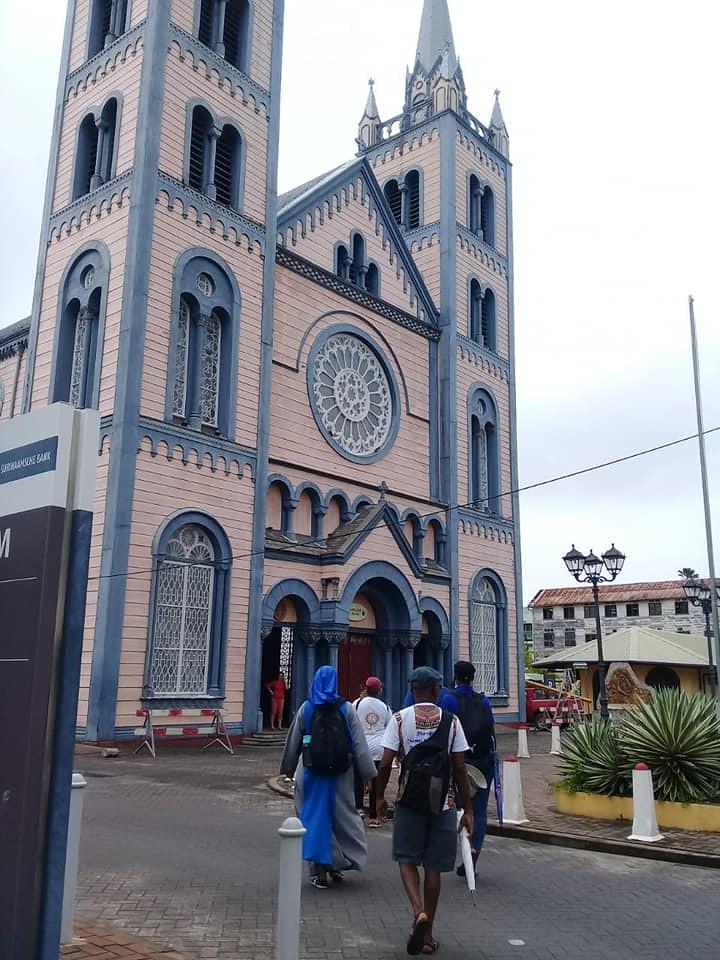 Suriname - Peregrinación de las siete Iglesias