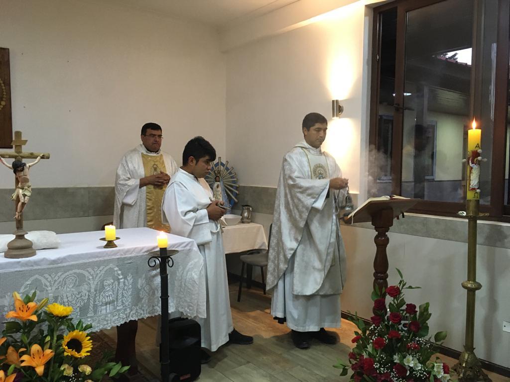Chile - Vigilia Pascual en el Hogar Sagrado Corazón