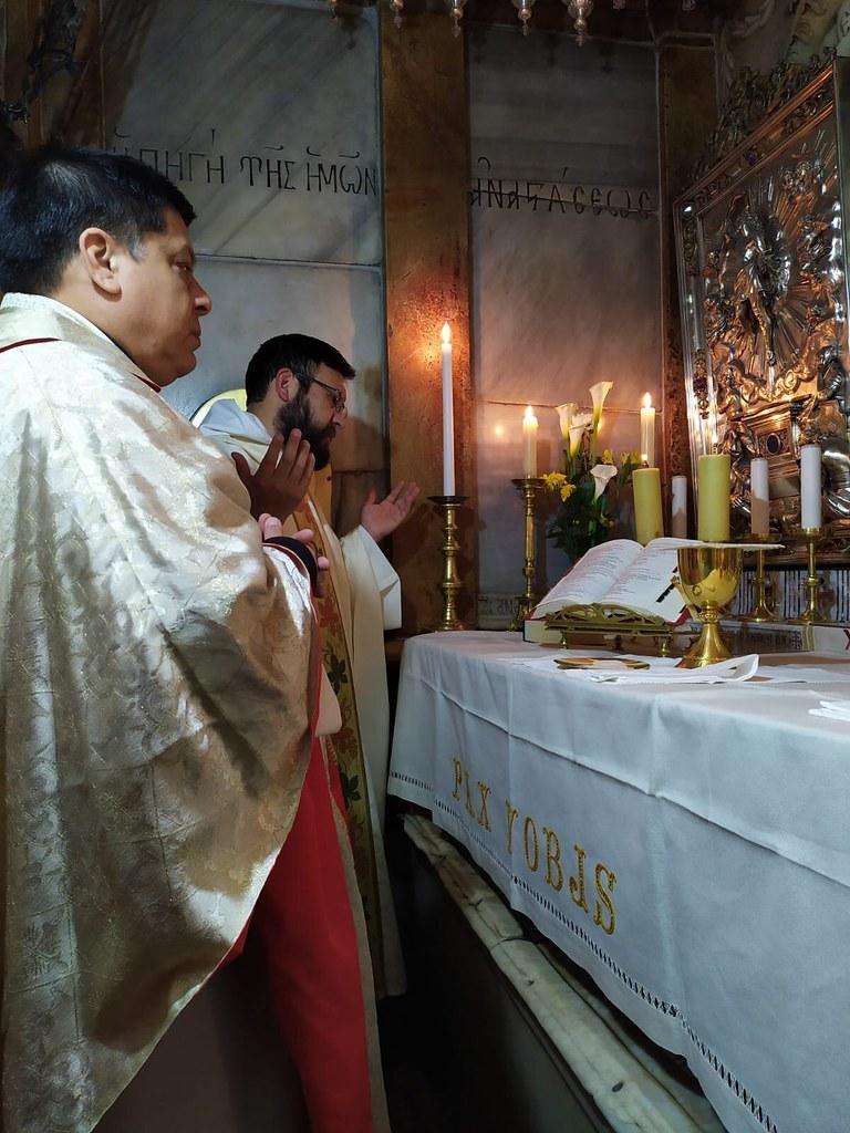 Tierra Santa - Misa en el Santo Sepulcro