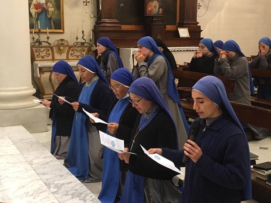 Italia - Ingreso al Monasterio