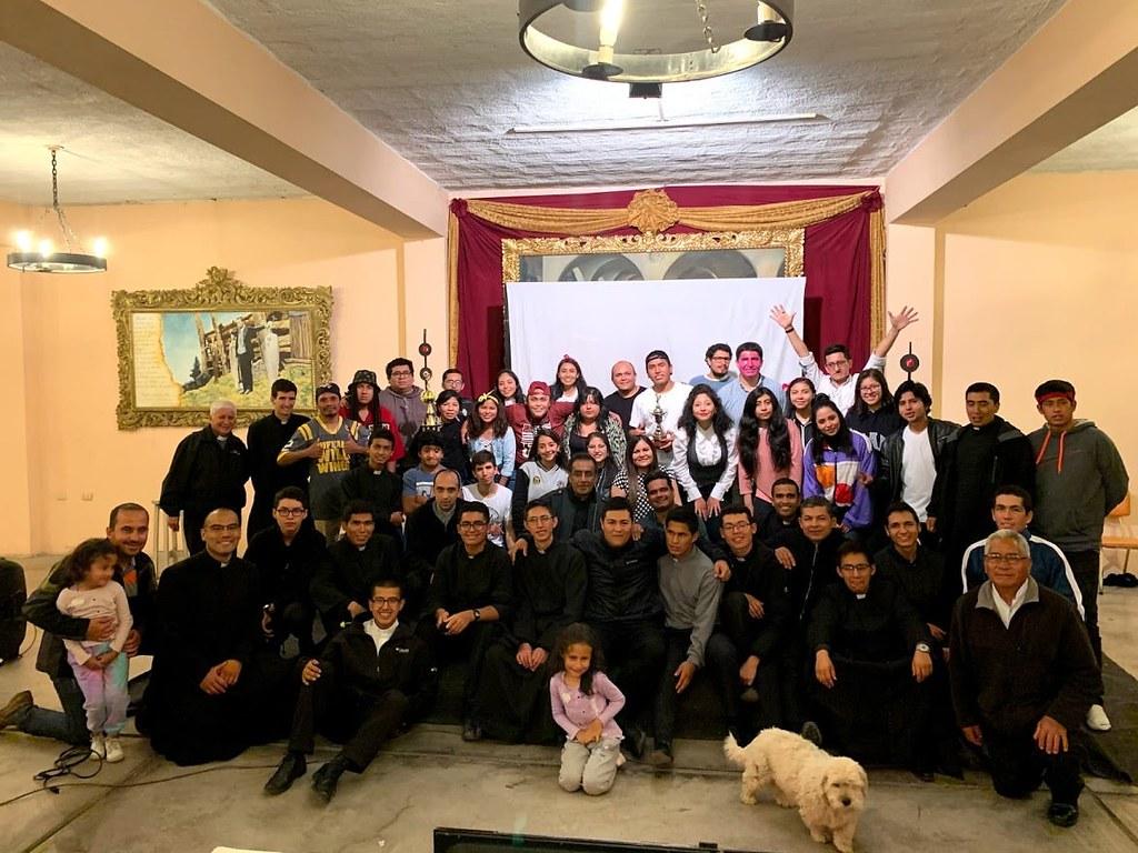 Perú - Pascueta con las Voces del Verbo en el Seminario Mayor