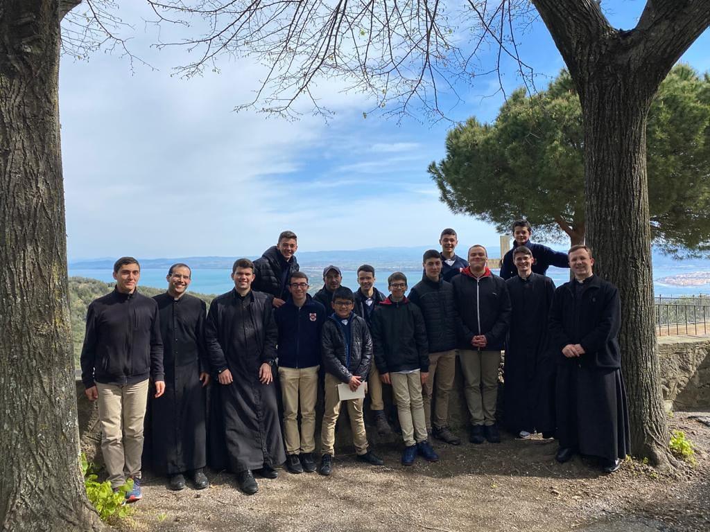 Italia - Salida del Seminario Menor al Monte Argentario, donde San Pablo de la Cruz fundó a los Pasionistas