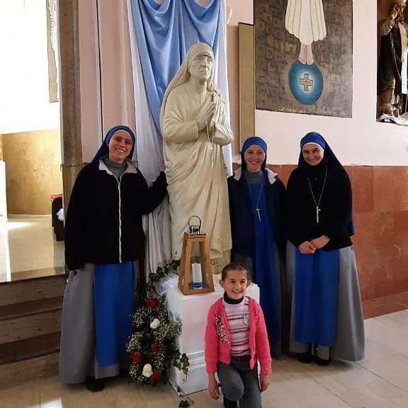 Albania - Peregrinación al lugar donde la Madre Teresa escuchó el llamado de Dios.