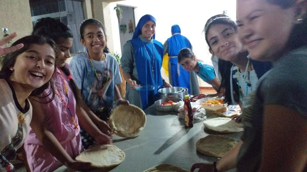 Brasil - Talleres y noche de pizza con las hijas de María en Mato Grosso