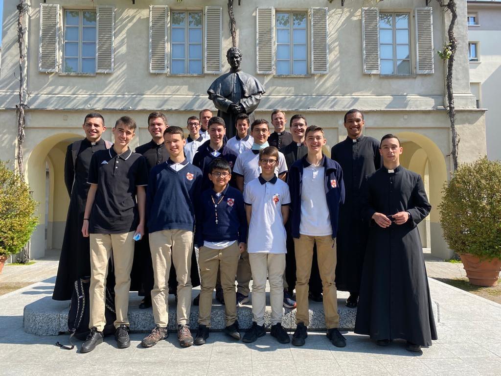 Italia - Peregrinación 'Josefina' del Seminario Menor por Turín