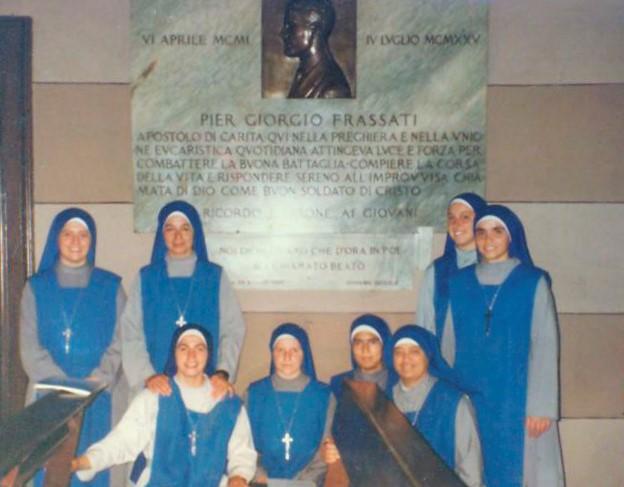 """Primer grupo de Servidoras en Italia en la Parroquia """"Nuestra Señora de las Gracias"""", en La Crocetta, Turín, Italia"""