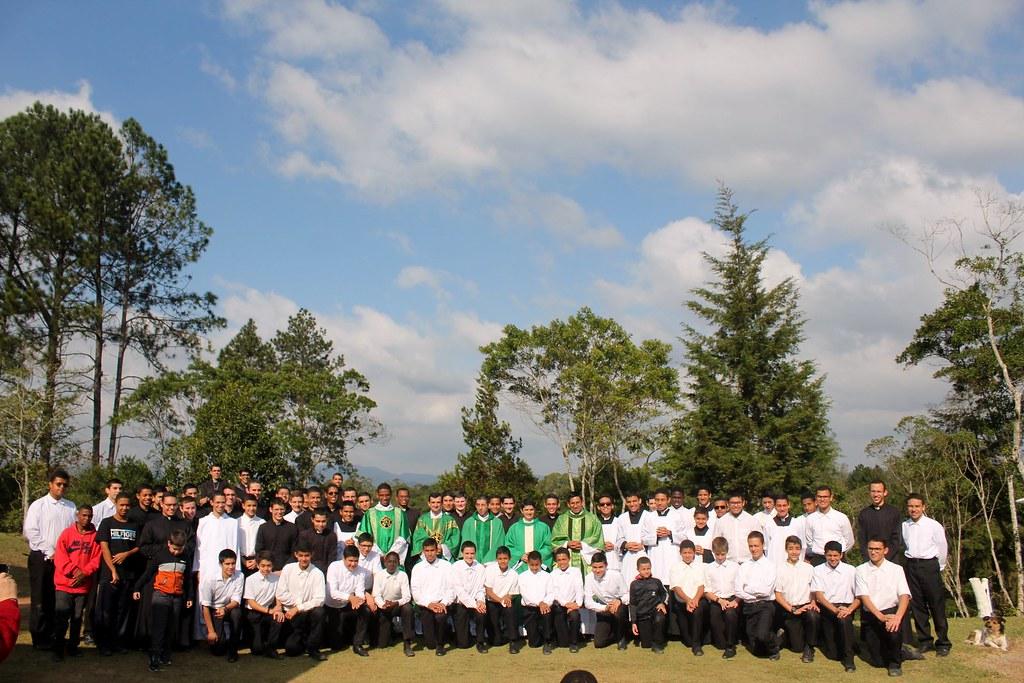 Brasil - Fiesta de los seminaristas menores y los que han pasado por aquel seminario