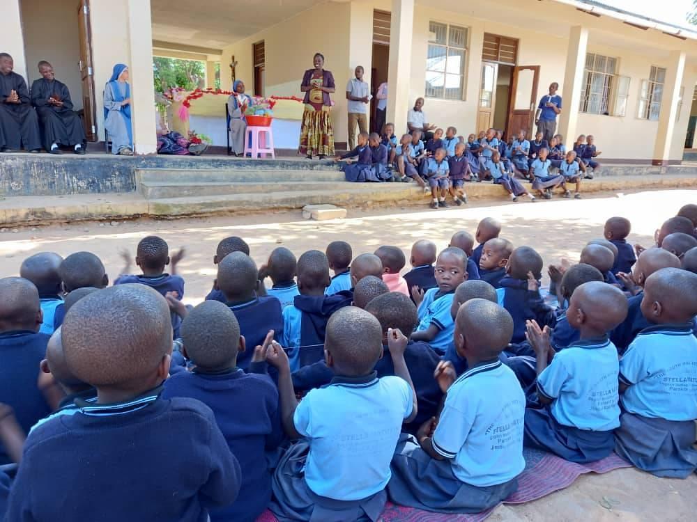 Tanzania - Despedida de la Hna. Upendo